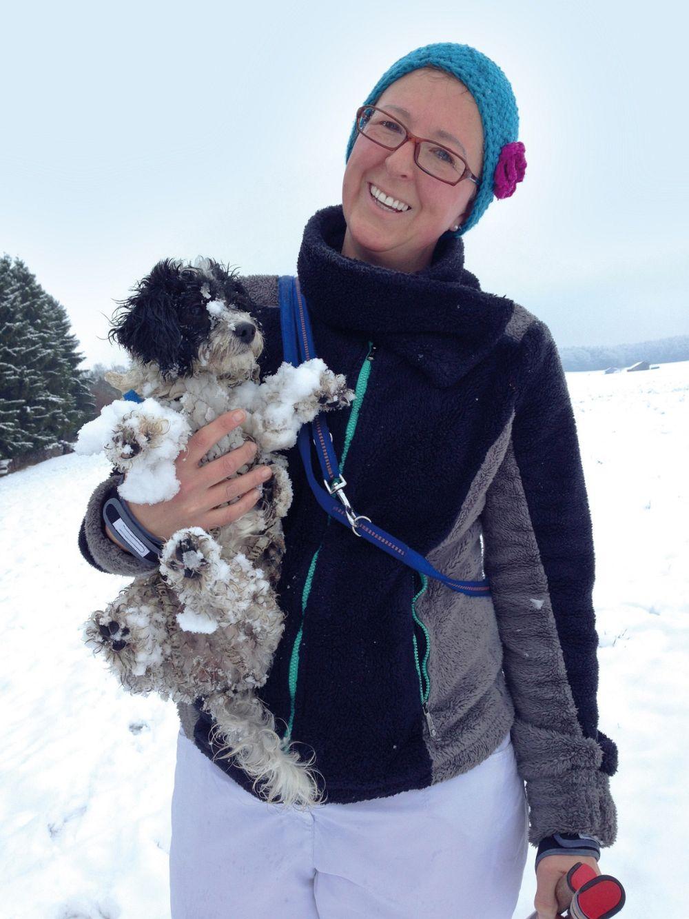 Mit dem Bolonka Zwetna im Schnee